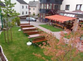 Landhotel Wolf-Mertes, Sessenbach (Wirscheid yakınında)
