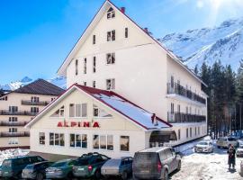 Отель Альпина
