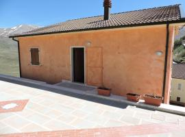 Villa Tardioli, Castelluccio