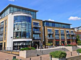 West London Riverside Apartment