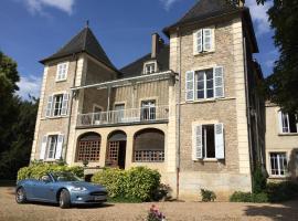 Le Château, Champagny-sous-Uxelles (рядом с городом Мале)