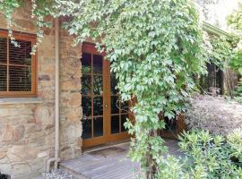 Stonehenge Retreat, Ballarat