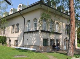 Villa Székely, Леаньфалу