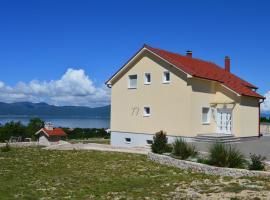 Blue Lake Luxury Accommodations, Grabovica (Zidine yakınında)