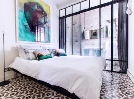 Romantic Artist Room Montmartre Bed & Breakfast