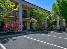 Red Lion Inn & Suites Deschutes River - Bend, Bend