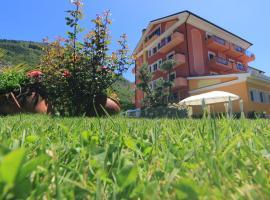 FILIPPONE HOTEL&RISTORANTE, Gioia dei Marsi (Villavallelonga yakınında)