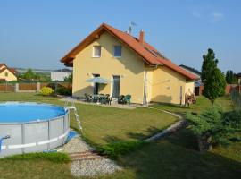 Family Apartment & Friends Housing, Dolní Jirčany