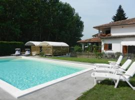 Hibiscus Guest House, Borgarello (San Genesio ed Uniti yakınında)