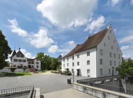 Hotel im Schlosspark, Basel (Oberwil yakınında)