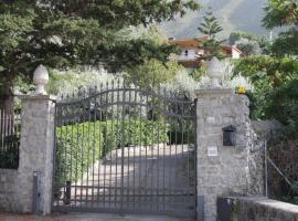 Lomarchi Holiday Home, Carini
