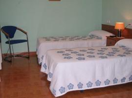Hotel Fitu, Colunga (La Riera yakınında)