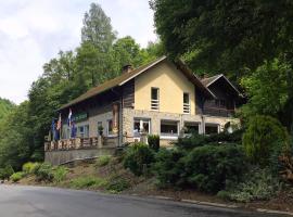 Chalet Des Grottes, Hastière-Lavaux (Les Journeux yakınında)