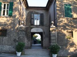 Villa Malacari, Offagna (Montesicuro yakınında)