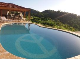 Hotel Peace & Lodge, Carrillo
