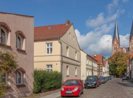 Altstadt Ferienwohnung, Neuruppin (Gnewikow yakınında)