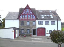 Landhaus Nobel-Hobel, Kommen (Hinzerath yakınında)