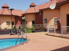 Ponderosa Travel Lodge, Kwabenya