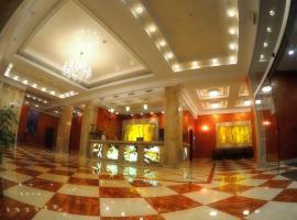 Готель Мир