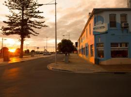 Beach Hotel, Burnie