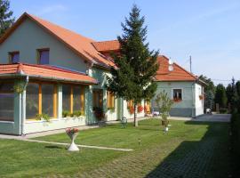 Tünde Vendégház, Bernecebaráti (рядом с городом Kemence)