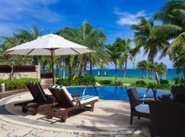 The St. Regis Sanya Yalong Bay Resort – Villas, Sanya (Luoyuxiacun yakınında)