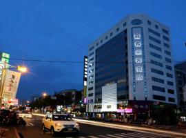 嘉義樂客商務旅館, 嘉義市