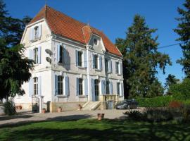 Chateau du Chene La Ressegue, La Ressegue (рядом с городом Saint-Jean-d'Eyraud)