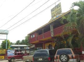 Tia Maria Guesthouse, San Ignacio (Santa Familia yakınında)