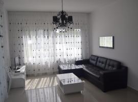 White Suit Apartment, Girne (Ayios Yeoryios yakınında)
