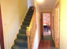 House for Groups & Contractors Kilmarnock, キルマーノック
