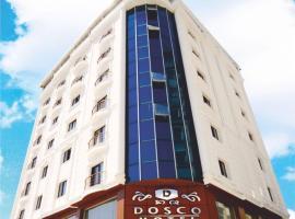 Hotel Dosco, Van