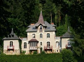 Chambre d'hôtes Le Manoir des Alberges, Uriage-les-Bains (рядом с городом Herbeys)
