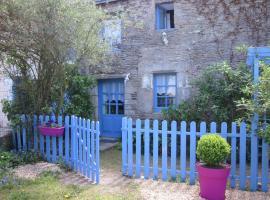 Gîte Les Lutins Bleus, Guillac (рядом с городом La Croix-Helléan)