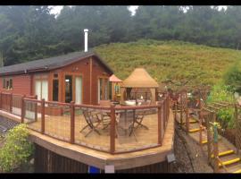 Three-Bedroom Lodge - Glendevon Country Park, Glendevon