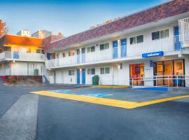 Motel 6 Mammoth Lakes