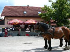 Rodinny Penzion s Restauraci - Hospudka na Navsi, Hlásná Třebaň (Zadní Třebaň yakınında)