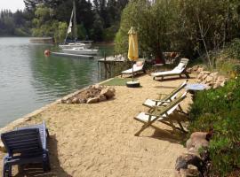 Cabaña de Adobe en Lago Rapel, Lago Rapel