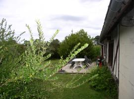 Les Trois Tuiles, Montviette (рядом с городом Le Mesnil-Bacley)