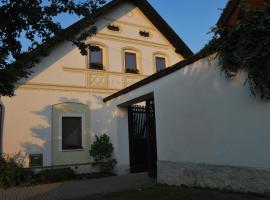 Dvůr U kapličky, Žďár nad Sázavou (Sázava yakınında)