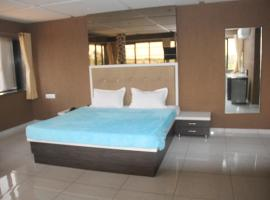 Dev Motel And Banquet Hall, Nadiad (рядом с городом Kheda)