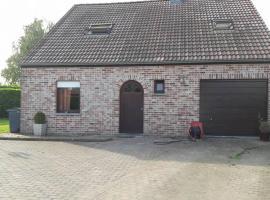 At the Villa, Tournai (Blandain yakınında)