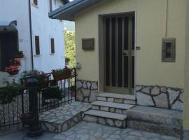 Casa Vacanze Campo Felice, Lucoli Alto (Forcella yakınında)