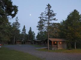 Narrows Too Camping Resort Cabin 9