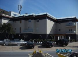 Hotel La Duquesa, Пинос-Хениль