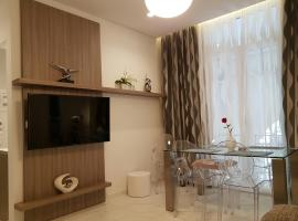 Laura Aristotelous Square Apartment