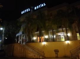 Hotel Royal Cattafi, San Filippo del Mela (Santa Lucia del Mela yakınında)