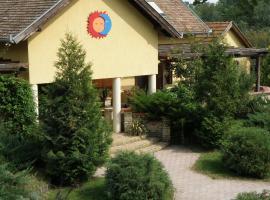 Akácliget Vendégház, Лайошмиже (рядом с городом Felsolajos )