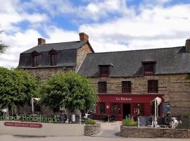 Logis Hotel, restaurant et spa Le Relais De Broceliande, Пемпон