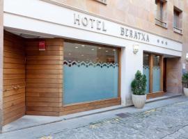 Hotel Beratxa, Tafalla (рядом с городом Pueyo)